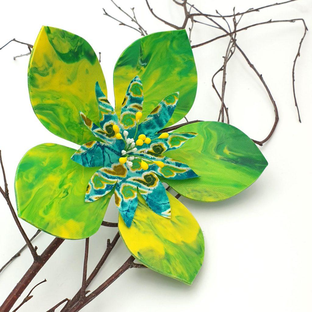 Fleurs de bouchons en plastique